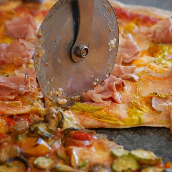 pizzo-pizza-ai-fiori-di-zucca
